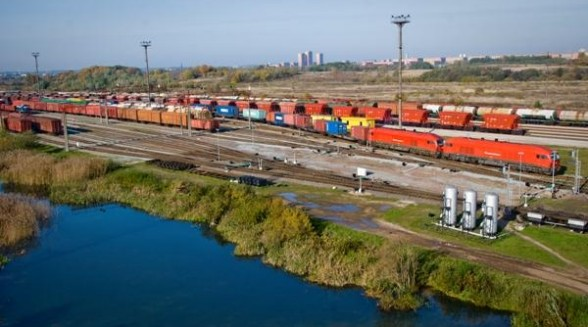 Freight Transportation by Rail, Sea and Road Transport: Interplays